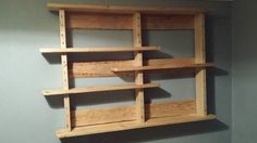 Simple pallet wood shelf