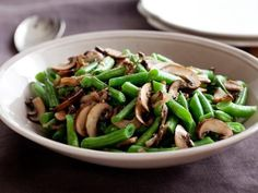 Green Beans with Mushroom and Shallots Recipe : Ellie Krieger : Recipes : Food Network Healthy Side Dishes, Healthy Sides, Side Dish Recipes, Vegetable Recipes, Vegetarian Recipes, Cooking Recipes, Healthy Recipes, Healthy Meals, Dishes Recipes