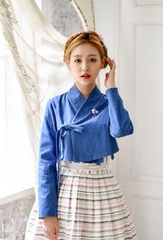 Korean Fashion – How to Dress up Korean Style – Designer Fashion Tips Traditional Dresses Designs, Korean Traditional Dress, Traditional Outfits, Unique Fashion, Diy Fashion, Fashion Outfits, Fashion Design, Fashion Ideas, Korean Fashion Trends