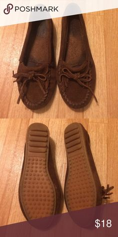 Minnetonka moccasins Only worn a few times. In great condition. No trades. Minnetonka Shoes Moccasins