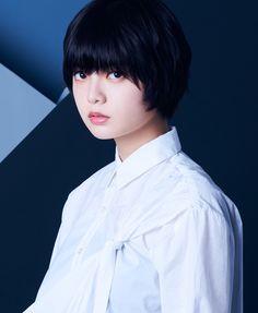 ち ょ り ◢͟│⁴⁶ 👄さんはInstagramを利用しています:「高画質のアー写です。 保存した人はいいねお願いします🙇♀️ ちょっと画像の並び順意識したんだけど分かる?笑 。 。 。 #平手友梨奈 #長濱ねる #渡辺梨加 #渡邉理佐 #鈴本美愉 #織田奈那 #小林由依 #欅坂46 #アンビバレント #アー写 #高画質…」 Asian Hair, The Crown, Pose Reference, Hair Inspo, Pretty Girls, Fashion Models, Poses, Actresses, Japanese
