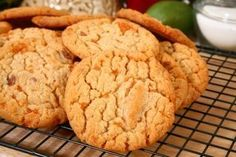 Spanish cuisine has a long tradition of sweets for dessert. The varied regions of Spain each have their own specialties and desserts from Spanish-speaking countries. Persimmon Cookie Recipe, Persimmon Cookies, Persimmon Recipes, Easy Spanish Desserts, Sweet Desserts, Fall Recipes, Sweet Recipes, Holiday Recipes, Baking Recipes