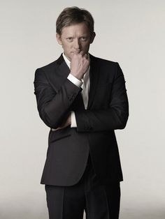 Douglas Henshall Height, Weight, Biceps Size and Body Measurement
