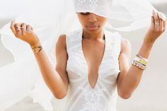 Fiji Bridal Session and wedding inspiration | Kama Catch Me Photography | see more on: http://burnettsboards.com/2015/04/sand-sea-fiji-bridal-session/