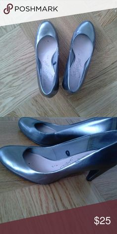 6323aba11 Metallic grey almond toe court shoes Beautiful Metallic grey court shoes  Perfect for work and evening Heel height medium From United Kingdom marks  and ...
