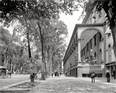 "Saratoga Springs, New York, circa 1908. ""Congress Hall and Broadway.Shorpy Historic Picture Archive :: Saratoga: 1908 high-resolution photo"