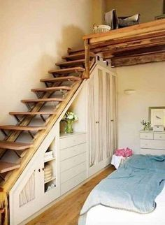13 Clever Loft Stair Design for Tiny House Ideas Tiny House Stairs, Tiny House Loft, Small Tiny House, Tiny House Design, Home Stairs Design, Interior Stairs, Stair Design, Home Renovation, Home Remodeling