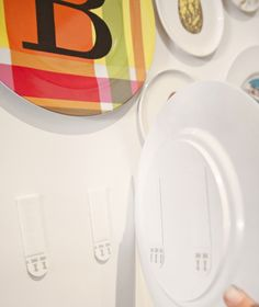 Command brand picture hanging strips-use for grandma's plates. Organizing Ideas, Home Organization, Easy Craft Projects, Diy Crafts, Decorating Tips, Decorating Your Home, Command Products, Hang Pictures, Framing Photography