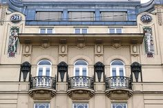 Wohn- und Geschäftshaus mit Geschäftsausstattung Fa. Gramola, Vienna, Austria