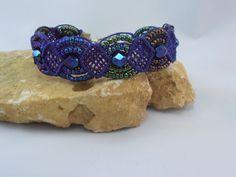 bracelet micro macramé persian indigo : Bracelet par les-creations-du-sud