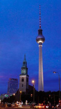 Fernsehturm by Víctor Cuevas on 500px. Berlín, ohh