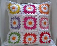 Resultado de imagem para capas maravilhosas de travesseiro de crochê para meninas