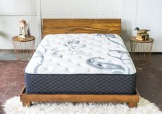 Looking for the best hybrid mattress? LuuF offers the comfort of a plush mattress with the support of a firm bed. Get more support and comfort than the average plush bed can offer with the best hybrid mattress available. Bed Reviews, Wood Bedroom, 19 Days, Foam Mattress, Entryway Decor, Giveaway, Diy Home Decor, Easy Diy, Sweet Home
