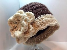 Elegant hat for the cold winter season. Free crochet pattern.
