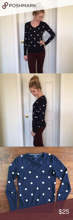 Tommy Hilfiger polka dot sweater 100 % Pima cotton polka dot sweater by Tommy Hilfiger! Worn only a few times. Perfect condition! Tommy Hilfiger Sweaters V-Necks
