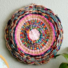 finger knitting hoop rug project for the little people