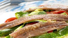 Receta de Milhoja de pimientos asados, calabacín y anchoas • Gurmé