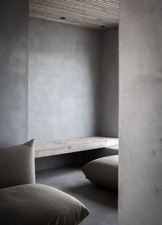 A unique space: walls match floor ceiling matches bench reduced to two materials floor is inviting odilon creations Interior Design Minimalist, Minimalist Home, Interior Design Kitchen, Interior And Exterior, Design Bathroom, Minimalist Bedroom, Exterior Design, Wabi Sabi, Concrete Interiors