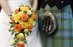 This groom wears a kilt to celebrate his heritage on his wedding day. Renaissance Wedding, Celtic Wedding, Irish Wedding, Scottish Wedding Dresses, Scottish Wedding Traditions, Scottish Weddings, Beach Wedding Groom, On Your Wedding Day, Wedding Attire