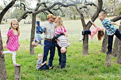family of 6 photo ideas | Large fun Family pics with 6