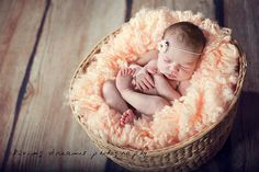 I just love newborn fluff! Newborn newborn Newborn Newborn with Dad. Toddler Poses, Baby Poses, Newborn Poses, Newborn Baby Photography, Baby Boy Newborn, Children Photography, Newborns, Newborn Shoot, Photography Ideas