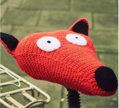 crocheted fox for bicycle saddle - perfect christmas gift awesome yarn bomb, cute quirky bike seat amigurumi , kawaii crochet for quirky girls about town fashion for your pashley Crochet Diy, Crochet Velo, Crochet Amigurumi, Crochet Home, Love Crochet, Crochet Flowers, Bike Seat Cover, Saddle Cover, Seat Covers