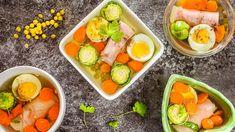 Pohoštění v retro stylu: Uvařte si šunkový aspik se zeleninou a vajíčkem - Proženy Fresh Rolls, Cantaloupe, Snacks, Fruit, Retro, Ethnic Recipes, Party, Food, Appetizers