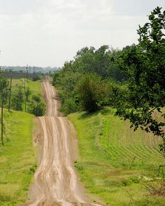 My mothers house was on a dirt road just like this one...