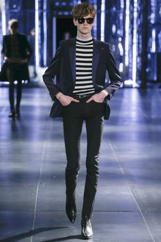 Hedi Slimane presented his Fall/Winter 2015 collection for Saint Laurent, during Paris Fashion Week. Fashion Wear, Fashion Show, Mens Fashion, Fashion Design, Paris Fashion, Ramses, Look Rockabilly, Magazine Mode, Look Man