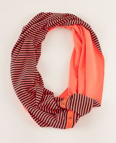 Lululemon vinyasa scarf - can be worn more than 10 different ways, reversible, and snaps shut