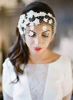 cool Красивые свадебные прически на средние волосы с фатой (50 фото) — Лучшие варианты