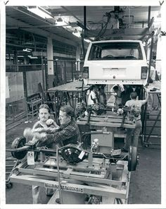 1000 images about made in toledo ohio jeep history in toledo on pinterest. Black Bedroom Furniture Sets. Home Design Ideas