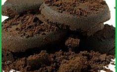 Risparmiare riutilizzando i fondi del caffè. Fate spesso il caffè nella moka o le cialde, e vi piacerebbe riutilizzare i fondi per risparmiare producendo in casa prodotti naturali? Questo è l'articolo che fa per te!! Scopri come riciclare #faidate #metodinaturali #risparmiare
