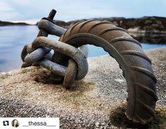 Hold dere fast. #reiseliv #reiseblogger #reisetips #reiseråd  #Repost @__thessa___ with @repostapp  Rock solid - mooring. #rocksolid #mooring #mittnorge #visitnorway #mittvestland #norge #norway #norway2day #imagesofnorway #peeksofnorway #everydaybergen #norway_photolovers