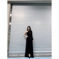 Image may contain: one or more people Ulzzang Fashion, Korean Fashion, Luna Fashion, Classy Aesthetic, Wedding Bridesmaid Dresses, Queen, Korean Actresses, Office Fashion, Daily Look