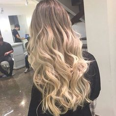 Loiro ombre hair