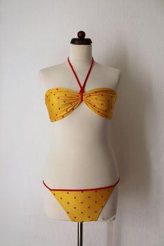 Vintage Bikini  Yellow Bikini with Red von PaperdollVintageShop, €19.90