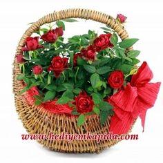 Balıkesir Çiçek Sepette Kırmızı Güller. Sepetlerin İçerisine Kaliteli Kırmızı Güllerden Aranjman Sevdiklerinizi Mutlu Etmek ve Yüzünde Gülümseme Oluşturmak İçin Sizi Bekliyor.