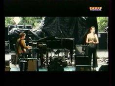 Yann Tiersen performing improvisation of Rue de Cascades at the Music Hall of Williamsburg.