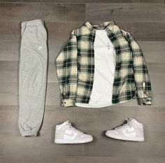 Street Style Outfits Men, Black Men Street Fashion, Stylish Mens Outfits, Cute Casual Outfits, Fashion Outfits, Urban Outfits, Retro Outfits, Outfits For Teenage Guys, Looks Hip Hop