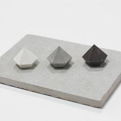 /// about concrete diamond set, ring holder, concrete jewelry, cement product, home decoration, mini diamonds, geometric concrete  /// size Set of
