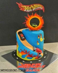 Hot Wheels Racing League: Hot Wheels Birthday Party Cakes - Hot Wheels cake with Fast Cash #hotwheels #cakes