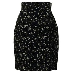 Preowned Patrick Kelly 80s Black And White Music Note Print Pencil... ($245) ❤ liked on Polyvore featuring skirts, pencil skirt, black, music, white, vintage skirts, patterned pencil skirt, white skirt, black and white pencil skirt and 80s skirt