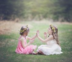 Twin Toddler Photography, Little Girl Photography, Best Friend Photography, Sister Photography, Children Photography, Sibling Photography Poses, Sibling Poses, Sibling Photo Shoots, Girl Photo Shoots