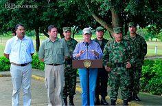 """""""No dejen un segundo de disparar"""", dijo  el presidente Juan Manuel Santos a las Fuerzas Armadas desde Tame, al concluir un consejo de seguridad el 21 de julio del 2013, un día después de la masacre de 15 militares en Arauca. http://www.elpais.com.co/elpais/judicial/noticias/consejo-seguridad-extraordinario-por-ataque-17-militares-arauca"""