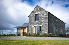 New Build In County Armagh Bungalow Renovation, Farmhouse Renovation, Modern Farmhouse Exterior, Bungalow House Design, Modern Bungalow, House Designs Ireland, Brickwork, Armagh, New Builds