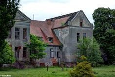 Manor House (D) May 2014 abandoned villa in the former East Germany urbex decay Photo by: Jascha Hoste