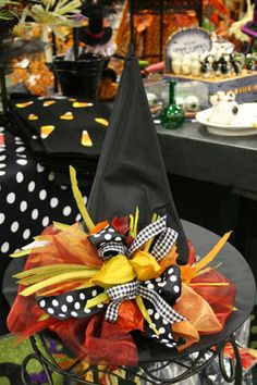 pretty witch hat - I really want to decorate a witches hat, all girly girl and pretty for my halloweenie costume. Type casting, ya know. (The Girlie Girl part, NOT the Witch! Halloween Hats, Halloween Projects, Holidays Halloween, Happy Halloween, Halloween Decorations, Halloween Clothes, Halloween Ornaments, Halloween Witches, Halloween Ideas