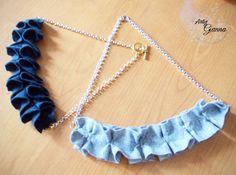 Ho una passione per le fantasie geometriche!  Chi mi conosce sa che indosso quasi sempre abiti molto semplici e ho diversi vestiti invernali che volevo un pò... rianimare! Così ho realizzato delle collane in feltro, mio grande amico invernale, con la tecnica origami. Il risultato è di una semplicità assurda ma personalmente... le adoro! Spero conquistino anche voi Emoticon wink  #ArtigGianna #handmade #collanefeltro #felt #necklacediy #origami