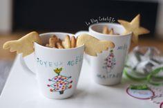 Une idée de cadeau de Noël DIY pour la maitresse, une tasse personnalisée à la peinture porcelaine et des biscuits tasse fait maison !